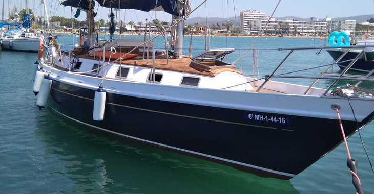 Rent a sailboat in Club Naútico de Sant Antoni de Pormany - Velero Clásico Chassiron GT