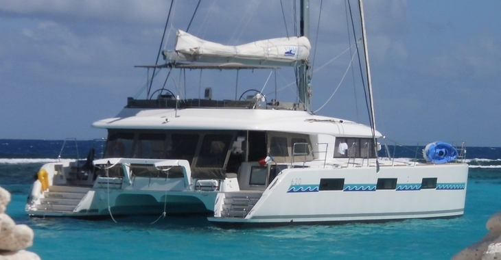 Rent a catamaran in Marina Le Marin - Cocktail Grenadines Lagoon 620 - Cabin Cruise Caribbean
