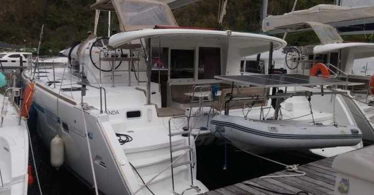 Rent a catamaran in Marina Le Marin - Lagoon 400