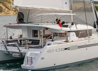 Rent a catamaran in Marina Bas du Fort - Lagoon 450 SporTop