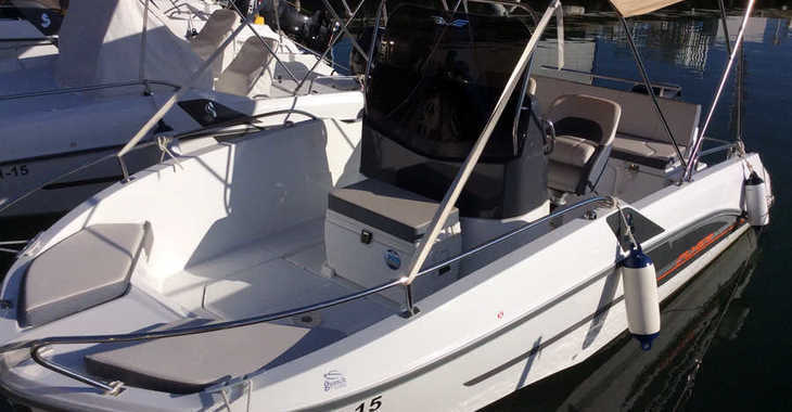 Rent a motorboat in Club Nautic Cambrils - Beneteau Flyer 5.5