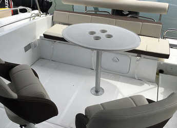 Rent a motorboat Flyer 6.6 Sundeck in Club Nautic Cambrils, Cambrils