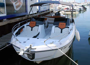 Chartern Sie motorboot in Club Nautic Cambrils - Flyer 7.7 Sportdeck