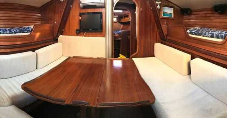 Rent a sailboat in Marina Greenwich - Novay 38