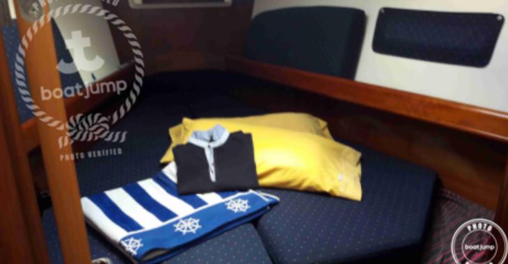 Rent a sailboat in Club Naútico de Sant Antoni de Pormany - Beneteau Oceanis Clipper 37.3