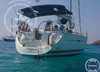 Rent a sailboat in Club Naútico de Sant Antoni de Pormany - Beneteau Oceanis Clipper 37.3