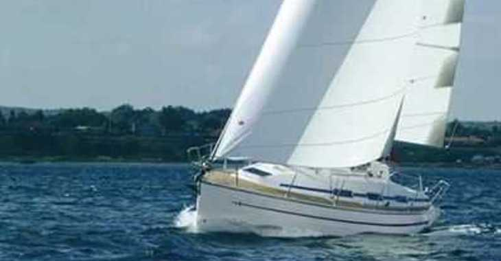 Rent a sailboat in Club de Mar - Bavaria 32