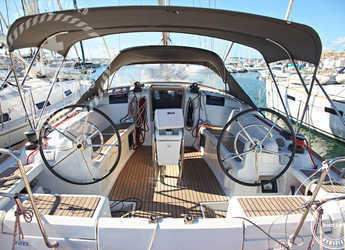 Chartern Sie segelboot in Port of Can Pastilla - Sun Odyssey 439 (4Cab)