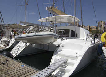 Rent a catamaran in Can pastilla - Lagoon 380 (4Cab)
