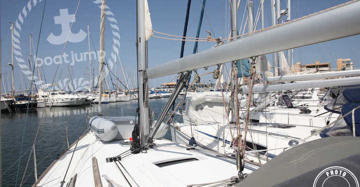 Rent a sailboat in Can pastilla - Oceanis 37 (3Cab)