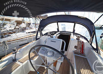 Rent a sailboat in Can pastilla - Oceanis 34 (2Cab)