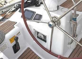 Rent a sailboat in Port Lavrion - Jeanneau 53 (5Cab)