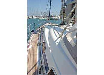Rent a sailboat Bavaria 42 Cruiser (3Cab) in Port Lavrion, Lavrion