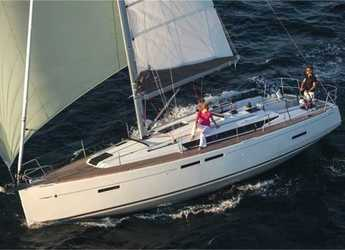Rent a sailboat in Port Lavrion - Sun Odyssey 419 (3Cab)
