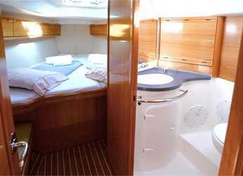 Rent a sailboat Bavaria 38 Cruiser (3Cab) in Port Lavrion, Lavrion