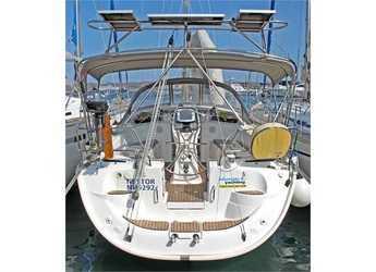 Rent a sailboat in Port Lavrion - Bavaria 37 Cruiser (3Cab)