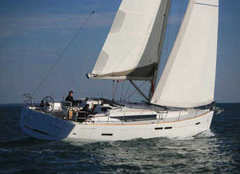 Rent a sailboat in Salerno - Sun Odyssey 439 (4Cab)