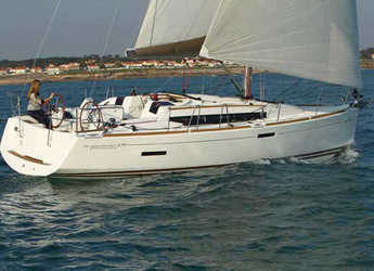 Rent a sailboat in Salerno - Sun Odyssey 379 (3Cab)