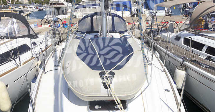 Rent a sailboat in Portocolom - Sun Odyssey 36i (3Cab)