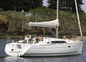 Rent a sailboat in Marina Frapa - Oceanis 34 (2Cab)