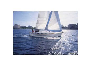 Rent a sailboat in Alimos Marina Kalamaki - Bavaria 36 (3Cab)