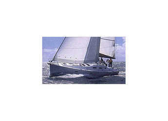 Rent a sailboat in Procida - Oceanis 393 (3Cab)