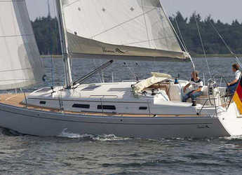 Rent a sailboat in Procida - Hanse 370 (3Cab)