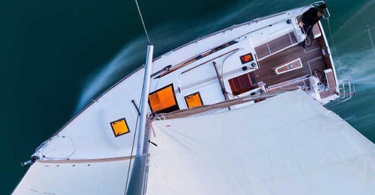 Rent a sailboat in Follonica / Etrusca Marina - Dufour 382 Grand Large (3Cab)