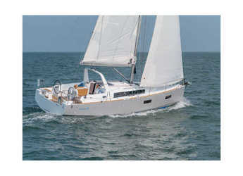 Rent a sailboat in Salerno - Oceanis 38 (3Cab)