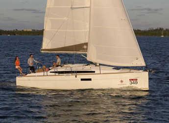 Rent a sailboat in Punta Ala - Sun Odyssey 349 (3Cab)