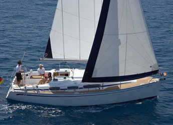 Rent a sailboat in Marina Izola - Bavaria 31 Cruiser (2Cab)