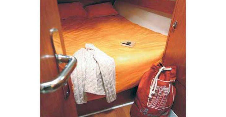 Rent a sailboat in Marina Gouvia - Beneteau Cyclades 39.3 (3Cab)