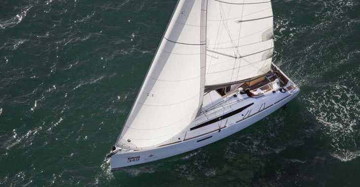 Rent a sailboat in Lefkas Nidri - Sun Odyssey 349 (3Cab)
