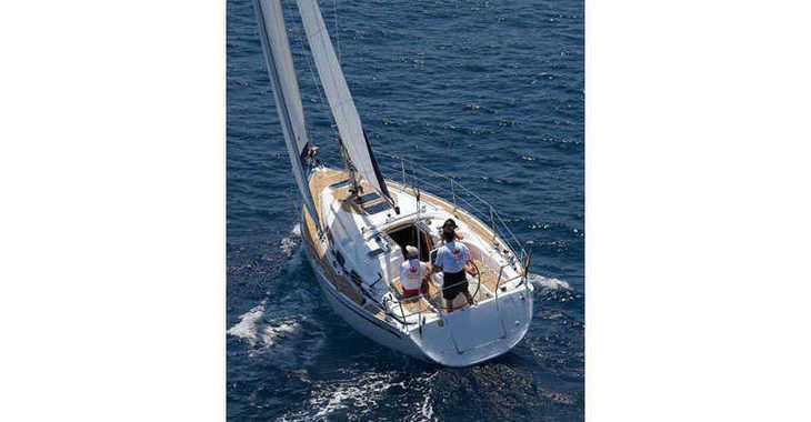 Rent a sailboat in Marina Gouvia - Bavaria 31 Cruiser (2Cab)