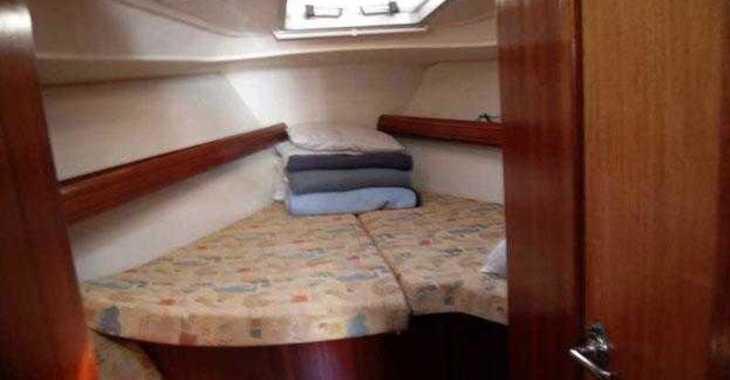 Rent a sailboat in Alimos Marina Kalamaki - Bavaria 40 (3Cab)