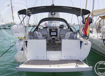 Rent a sailboat in Contra Muelle Mollet - Hanse 345 (3Cab)