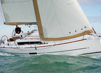 Rent a sailboat in Contra Muelle Mollet - Dufour 350 Grand Large (2Cab)