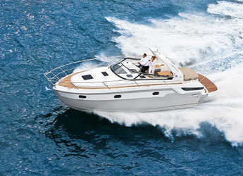 Rent a motorboat in Contra Muelle Mollet - Bavaria Sport 32