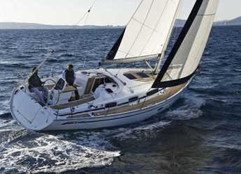 Rent a sailboat in Lemmer - Bavaria 34 Cruiser (2Cab)