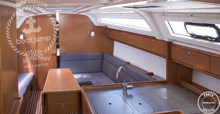 Rent a sailboat in Naviera Balear - Bavaria Cruiser 37 (3Cab)