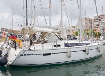 Rent a sailboat in Naviera Balear - Bavaria Cruiser 37 (3Cab)