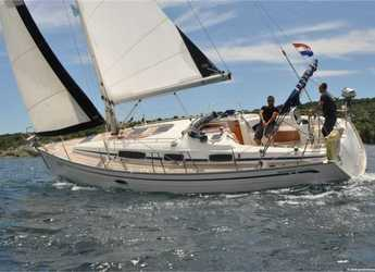 Rent a sailboat in Marina Kremik - Bavaria 34 Cruiser (2Cab)