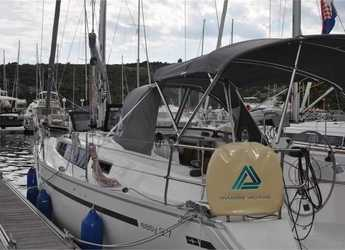Rent a sailboat in Marina Kremik - Bavaria 9.7 Easy