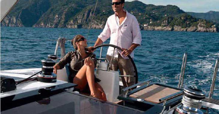 Rent a sailboat in Alimos Marina Kalamaki - Oceanis 45 (4Cab)