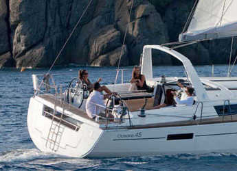 Rent a sailboat in Alimos Marina Kalamaki - Oceanis 45 (4Cab)
