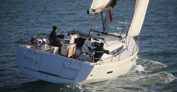 Rent a sailboat in Alimos Marina Kalamaki - Sun Odyssey 439 (4Cab)