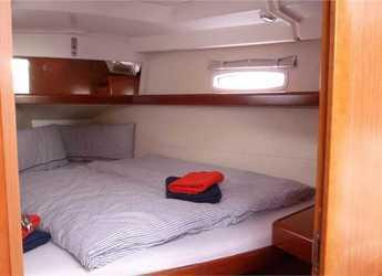 Alquilar velero Oceanis 40 (2Cab) en Sardinia / Santa Maria Navarrese, Italy (Sicily)