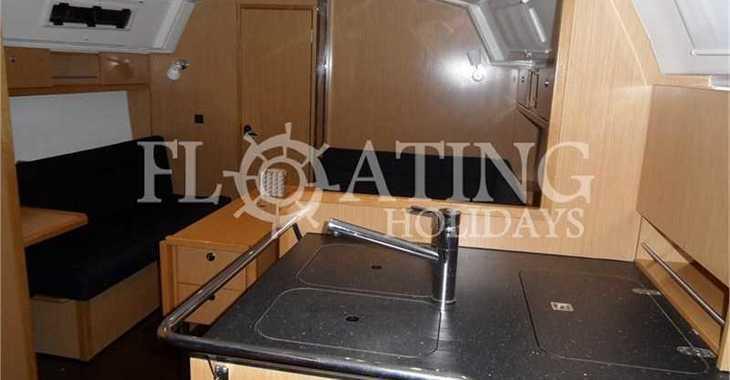 Rent a sailboat in Lefkas Nidri - Bavaria Cruiser 36 (3Cab)
