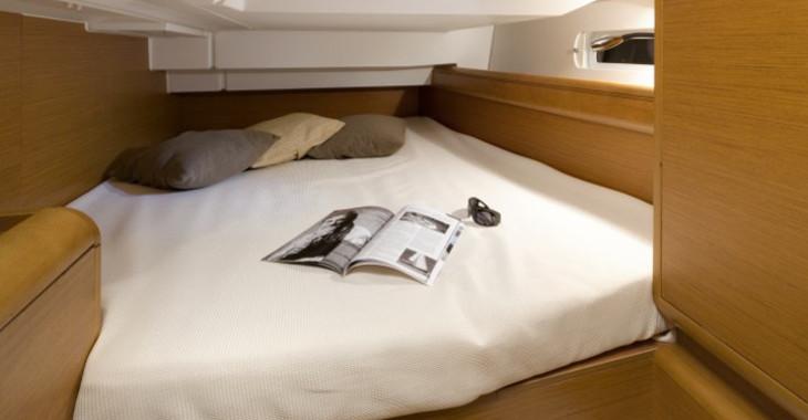 Rent a sailboat Sun Odyssey 409 in Marina Le Marin, Le Marin