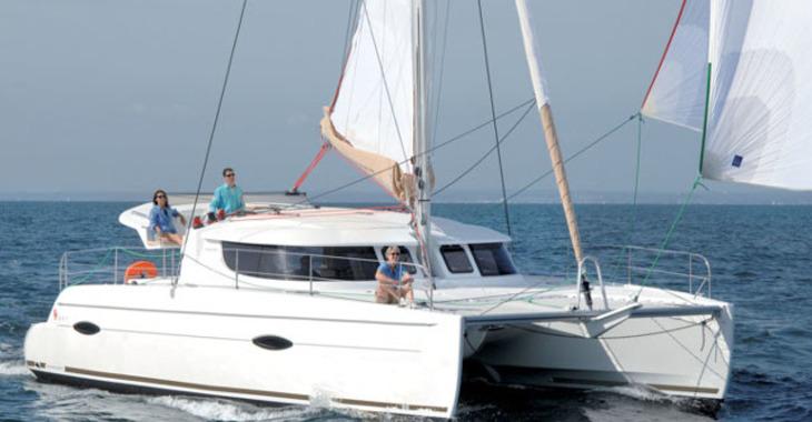 Rent a catamaran in Marina Le Marin - Lipari 41